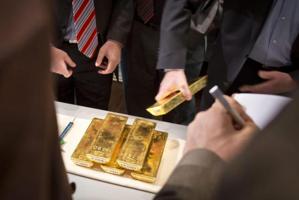 Gold Falls On Tariff Delay After Hitting 6-Year Peak