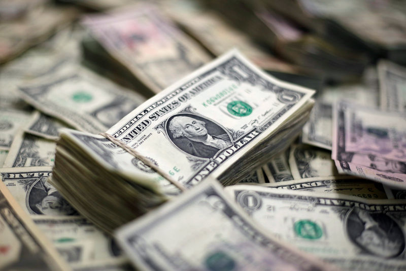 Dollar falls on trade deal outlook