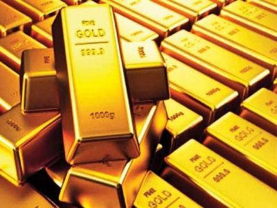 Gold holds firm above $1,800/oz on virus fears, weaker dollar